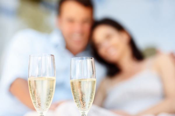the-health-benefits-of-champagne-drinking